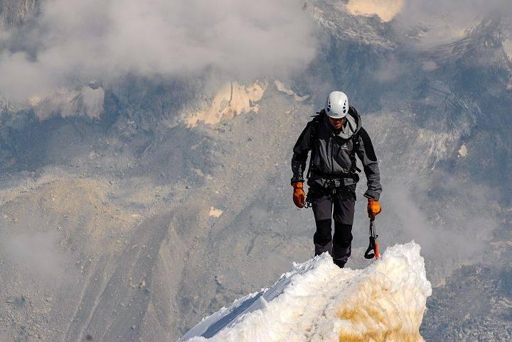 summit 1209168 1280 opt